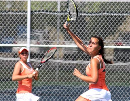 Women's Tennis kicks off fall season with pair of victories