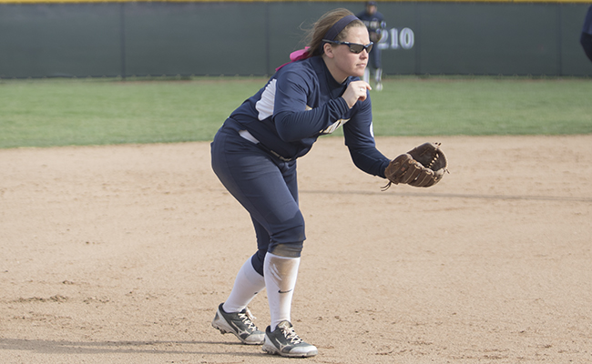 Softball Swept on Opening Day in Florida