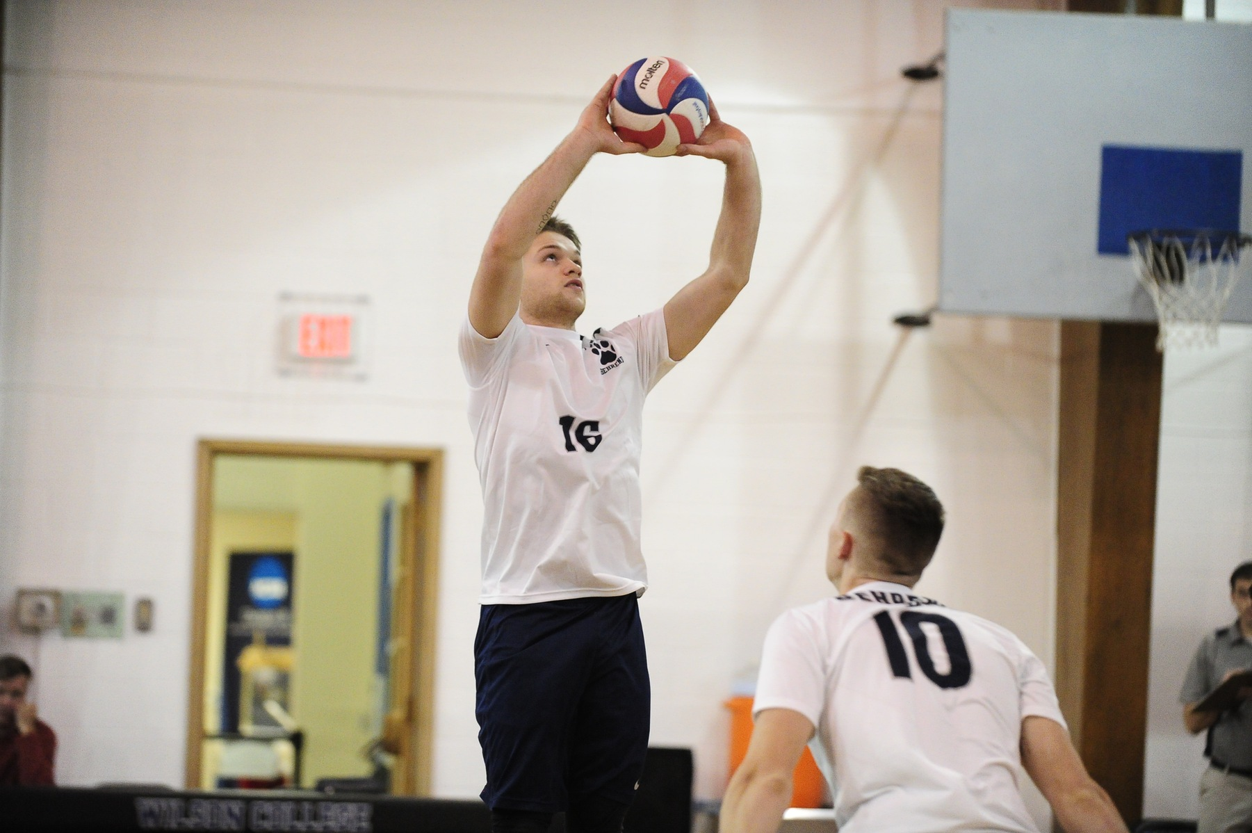 Men's Volleyball Defeats Sage; Falls to No. 10 Hunter
