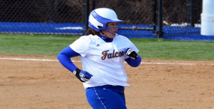Softball splits with Concordia Chicago in NAC doubleheader