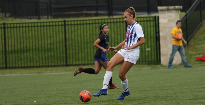 Women's Soccer takes care of Aurora for fifth-straight win