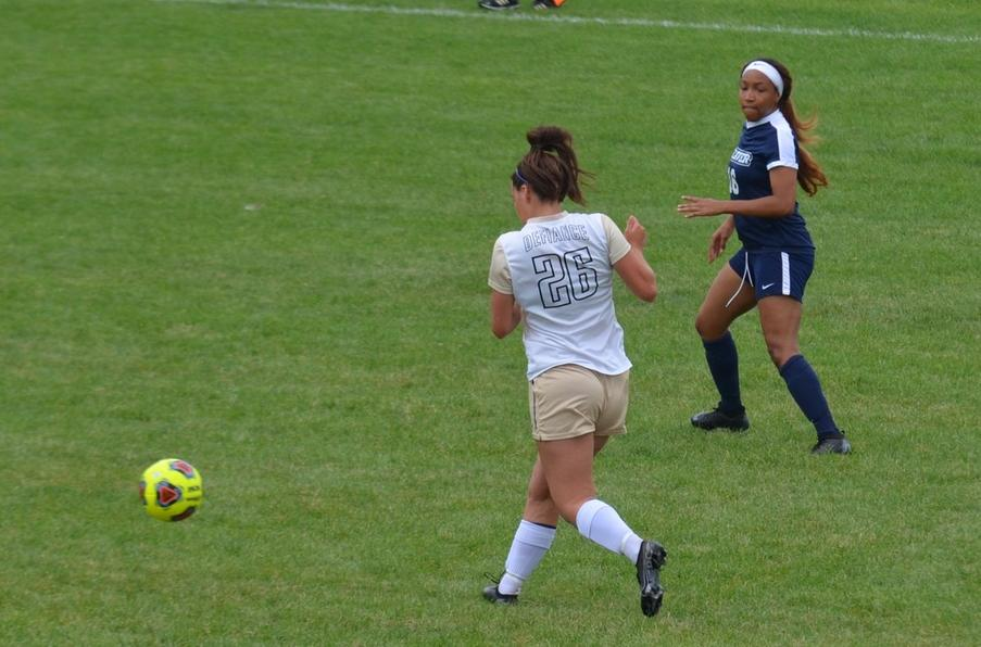 Women's Soccer Picks Up a 4-0 Victory at Home