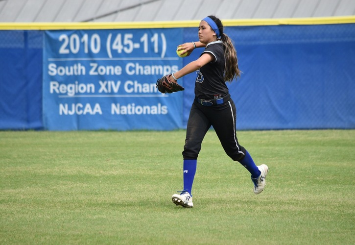 Blinn College Softball Fights Past Laredo in Extra Innings, 5-4
