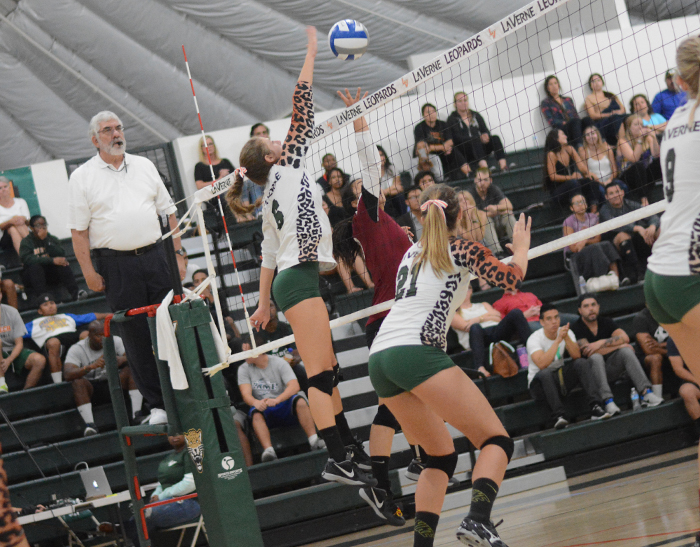 No. 23 Volleyball sweeps Redlands after marathon third set