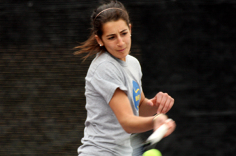 Women's tennis caps season with 7-2 win over Trinity