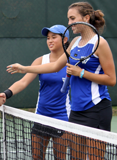 Blue Tennis Advances to NEWMAC Finals; Defeat Wheaton 5-1