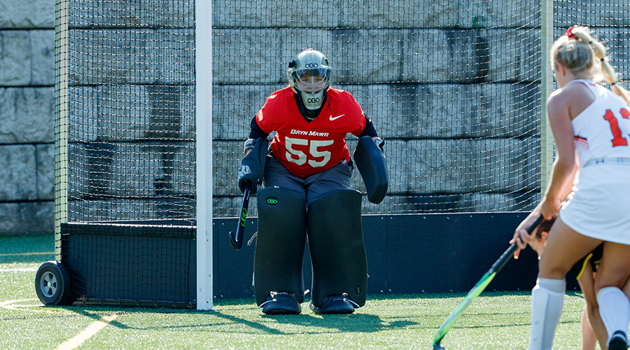 Maggie Titus in goal for the Owls' field hockey team
