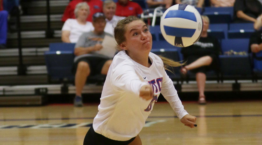 Raychel Reed lunges for a ball in the first set of Hutchinson's 3-0 Jayhawk West victory over Garden City on Wednesday at the Sports Arena. (Allie Schweizer/Blue Dragon Sports Information)