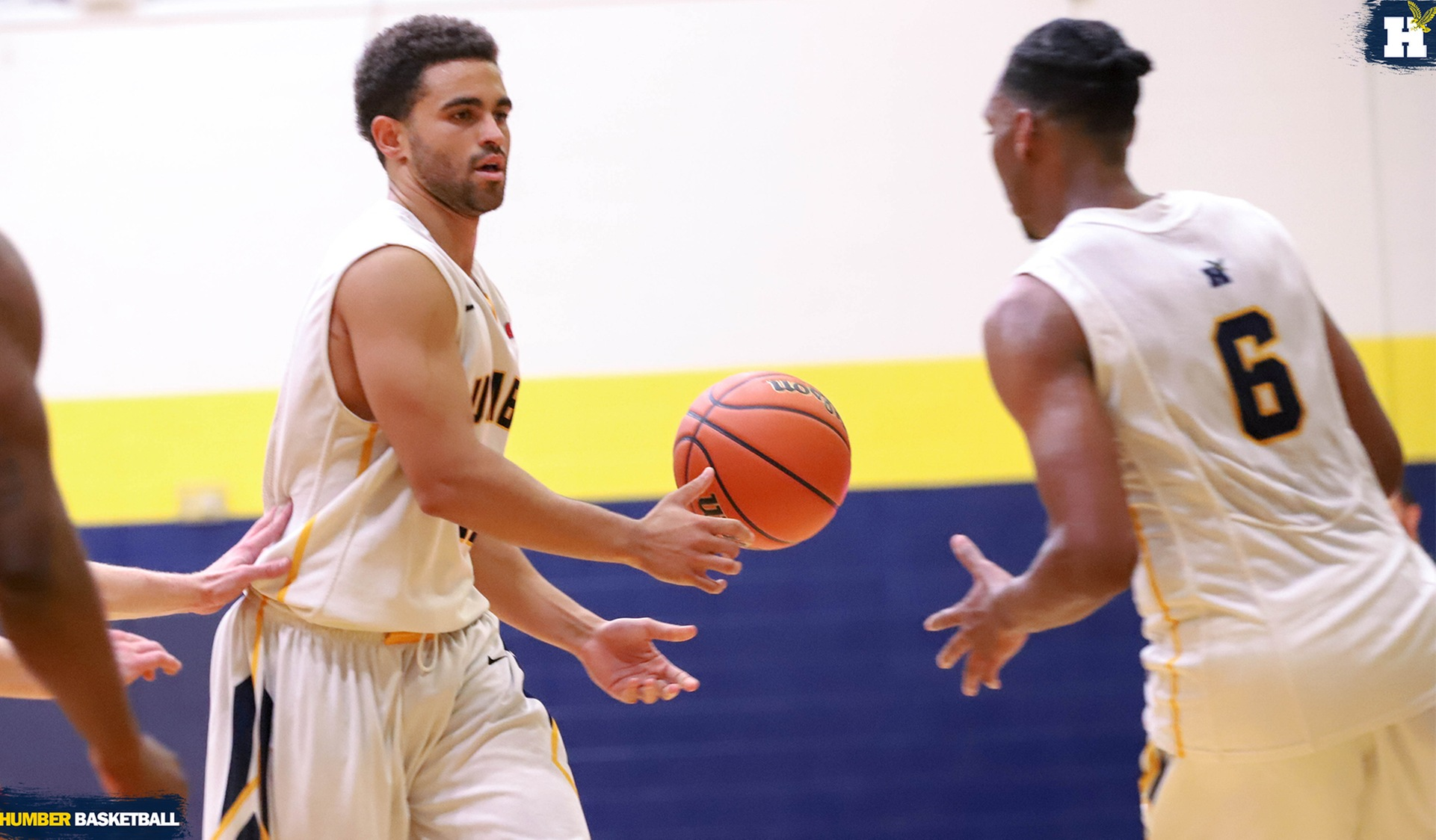 MEN'S BASKETBALL OPENS SEASON WITH WIN AT FANSHAWE, 96-70