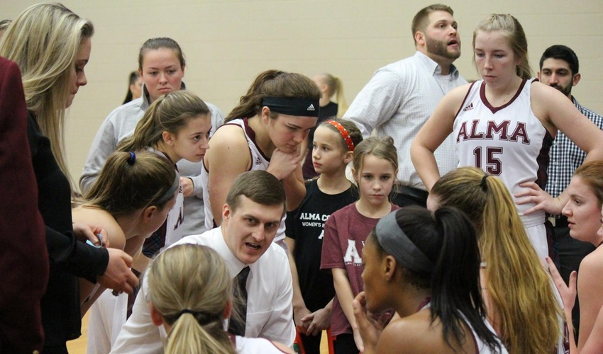 Women's Basketball Falters Against Albion
