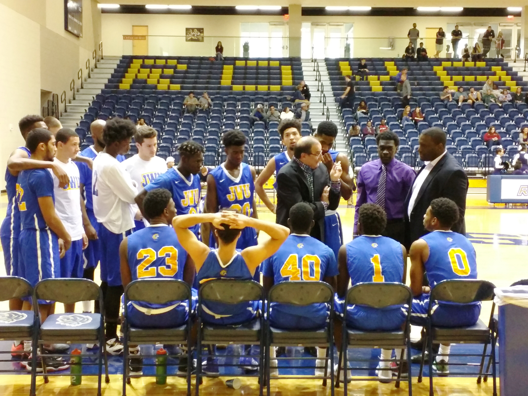 Men's Basketball Falls in Opener at South Classic