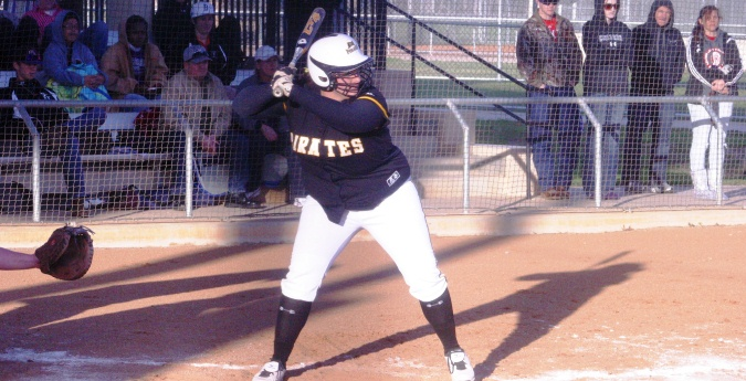 Softball Sweeps Sunday Series with Centenary