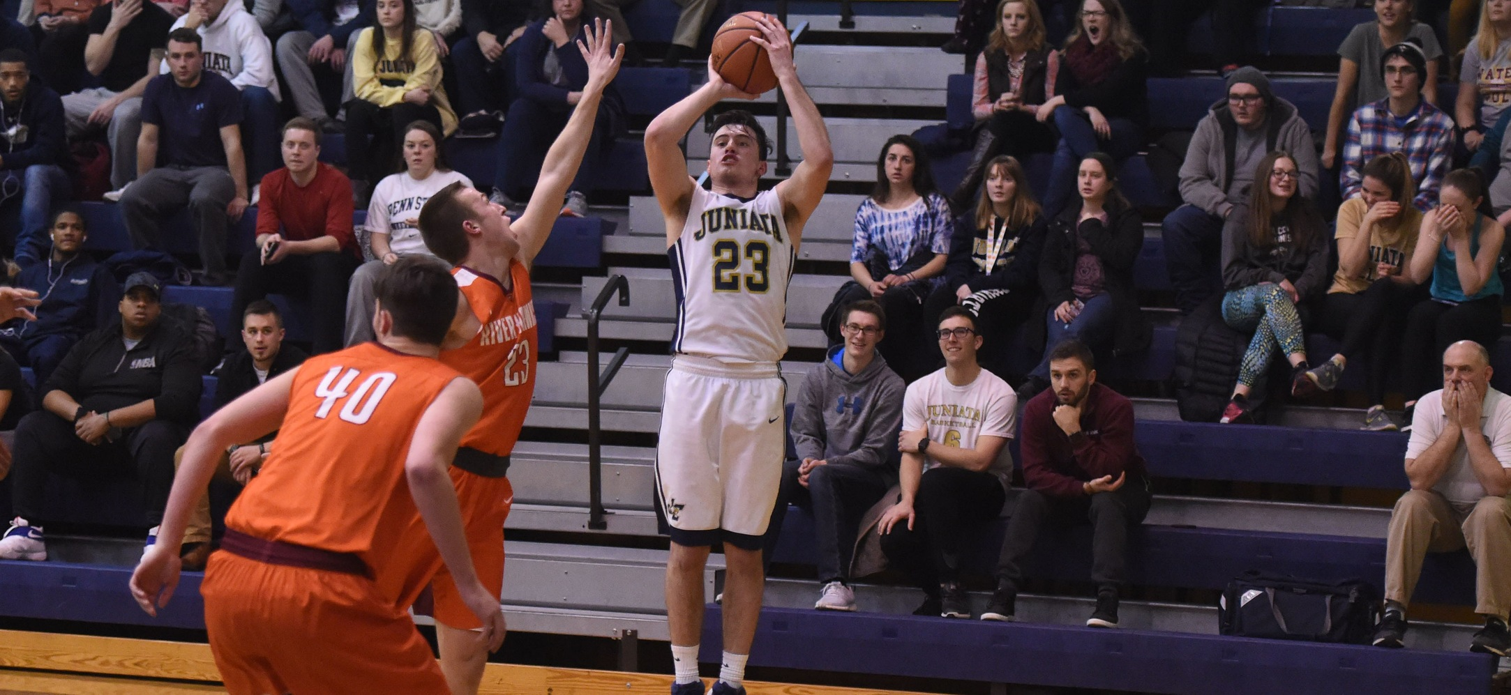 Brandon Martinazzi had his second double-double of the year as he tallied 17 points and 10 rebounds.