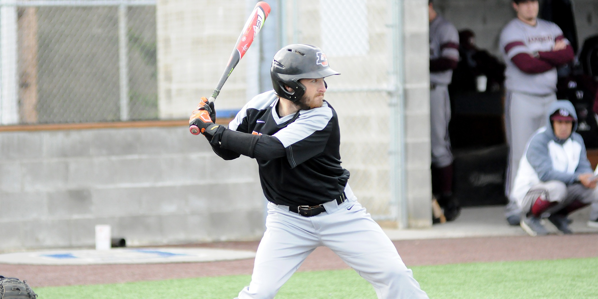 Lewis & Clark picks up first victory, splits final day of NWC Preseason Tourney