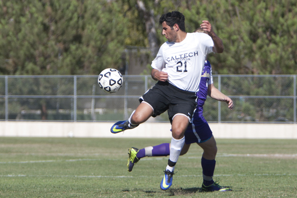 Soccer Shows Progress in First SCIAC Matchup