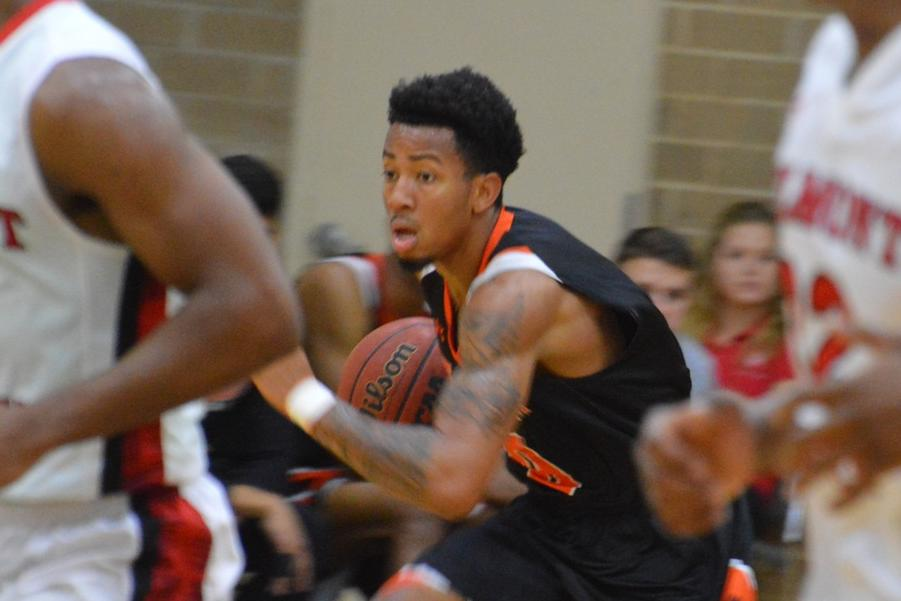 Pioneers rally for last-second 69-67 win at Belmont Abbey