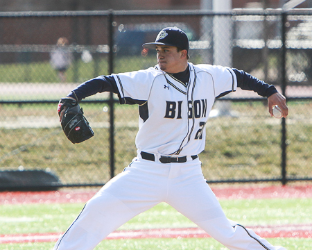 Ryan Rippy throws one-hit shutout against Penn St.-Berks, helps Bison walk-off with sweep in second game
