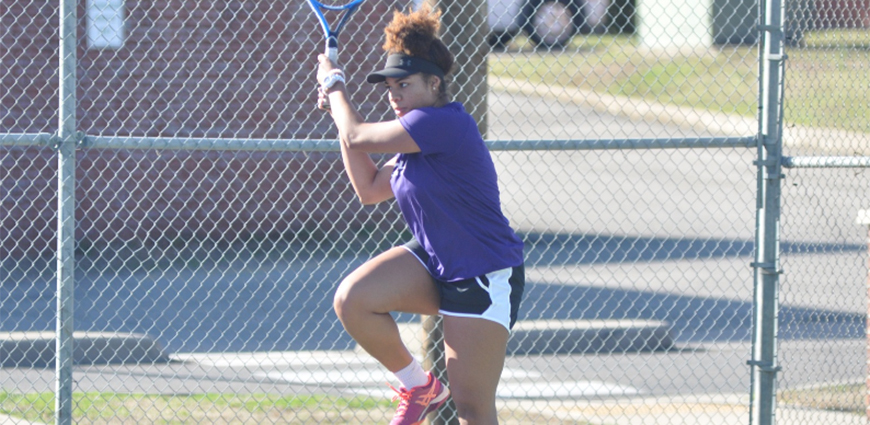 Women's Tennis Team Suffers Loss Against Toppers