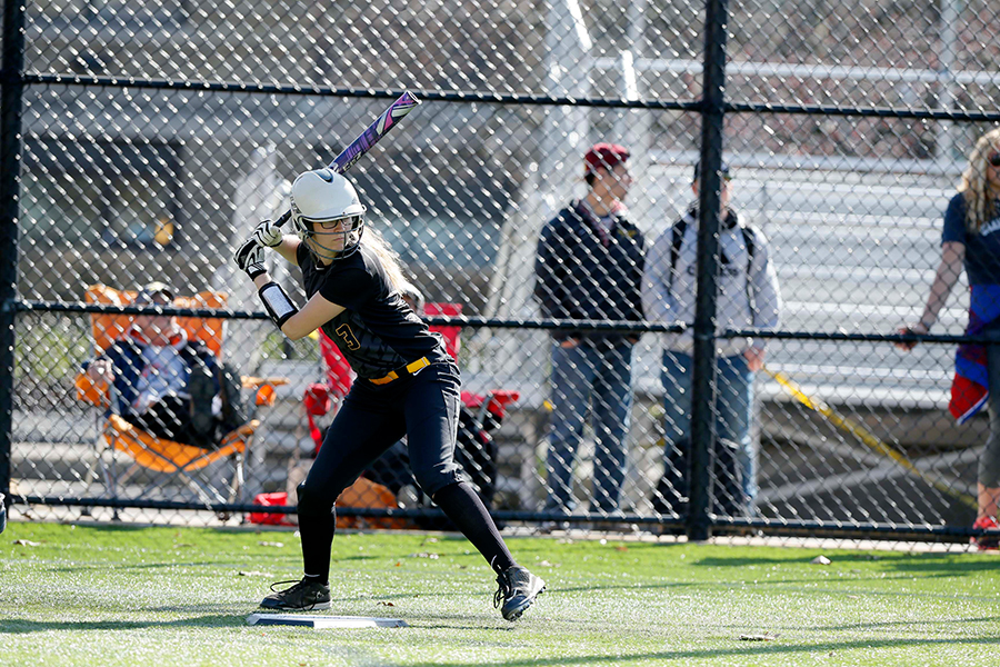 Softball Falls Twice to Conclude Spring Break Trip