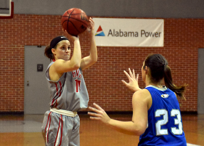 Payton Kiser led Huntingdon with 11 points in Thursday's loss to Pensacola Christian.