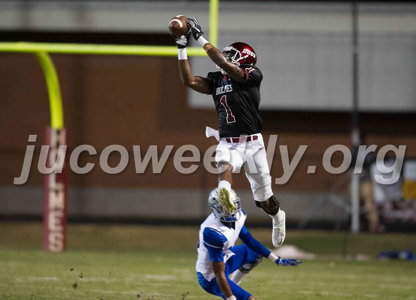 Former Holmes Community College wide receiver D.J. Montgomery of Durant has signed an unrestricted free agent contract with the National Football League's Cleveland Browns.