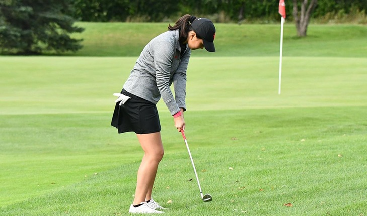 Three Golfers Compete at Elmhurst Bluejay Spring Invitational