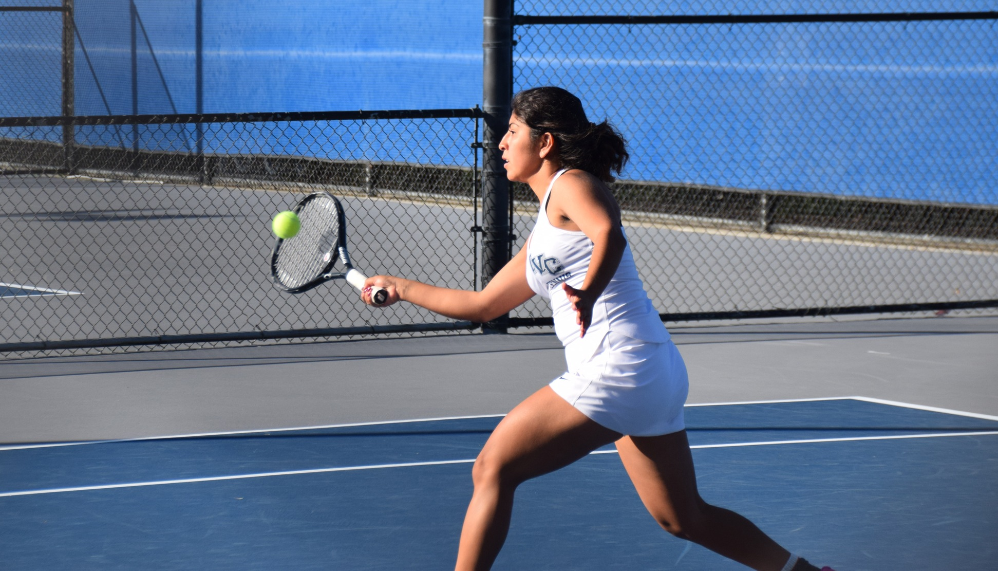 Women's tennis team earns 7-2 conference win at Fullerton