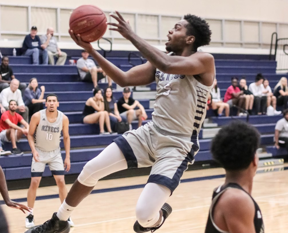 Sophomore Jordan Robinson finished with 12 points, seven rebounds and seven assists but the No. 14 ranked Aztecs men's basketball fell at Eastern Arizona College 96-69. The Aztecs are now 3-3 overall and 1-1 in ACCAC conference play. Photo by Stephanie Van Latum