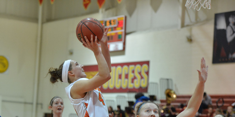 Storm lose to Wartburg