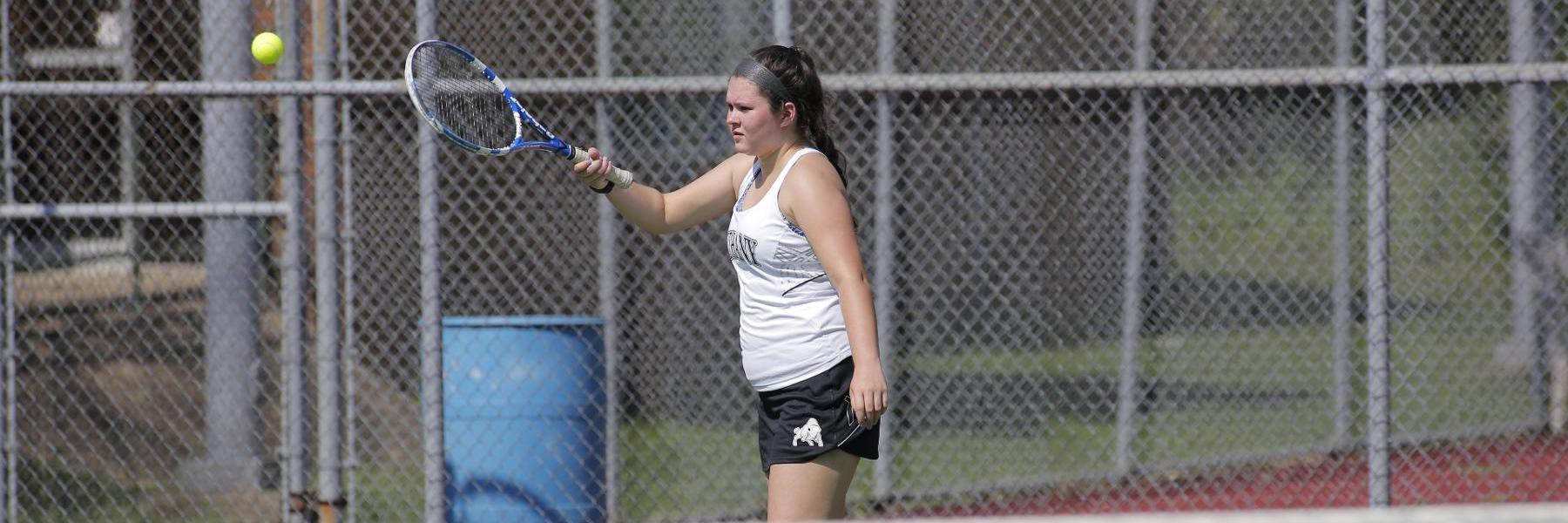 Women's Tennis closes out home schedule with 7-2 loss to La Roche