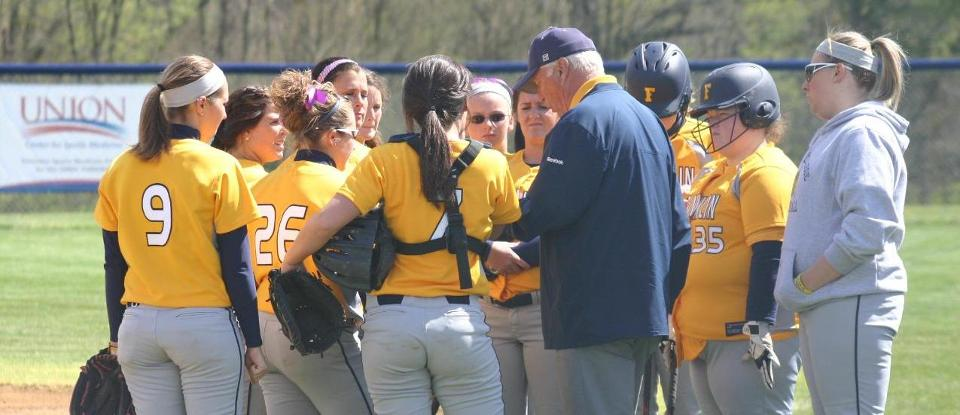 Offense Leads Softball to Sunday Wins