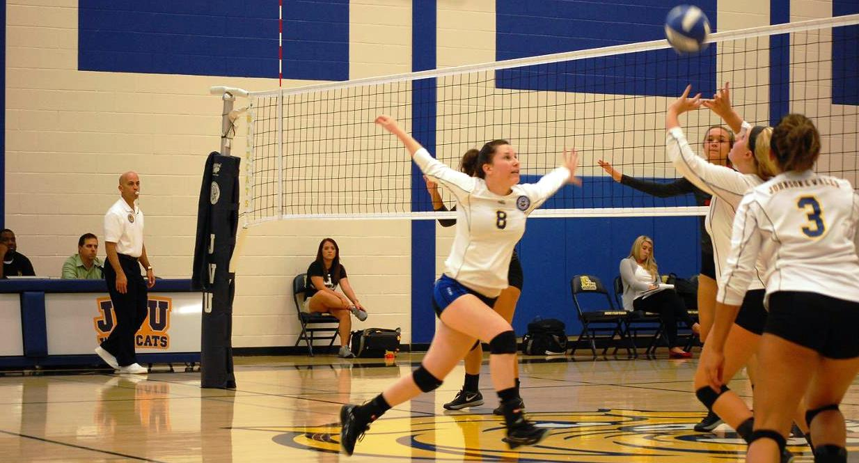 JWU Volleyball Bounces Back, Defeats Davidson County in Four Sets