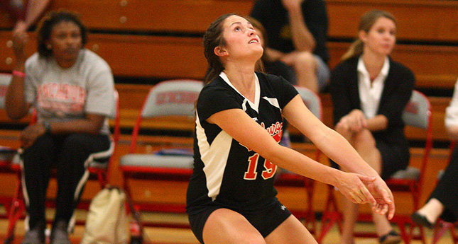 LC Volleyball Sweeps Virginia Wesleyan, Falls to Messiah in Tri-Match