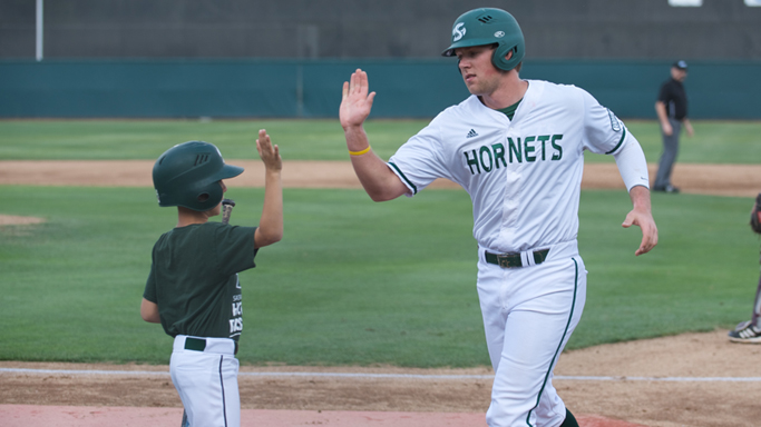 BASEBALL CLOSES REGULAR SEASON WITH 6-5 LOSS TO UT ARLINGTON