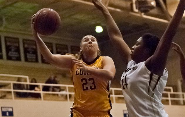 Cobras Looking to Tame Bulldogs