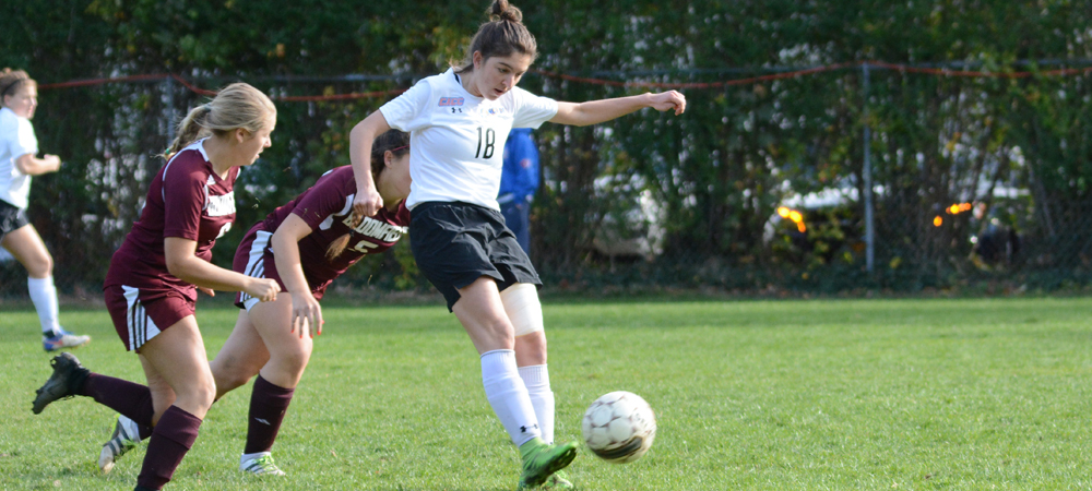 Women's Soccer Upended At Queens, 6-2