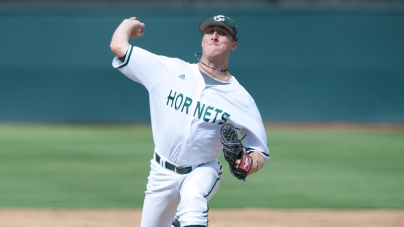 BASEBALL COMPLETES SEASON SERIES SWEEP OF SAINT MARY'S