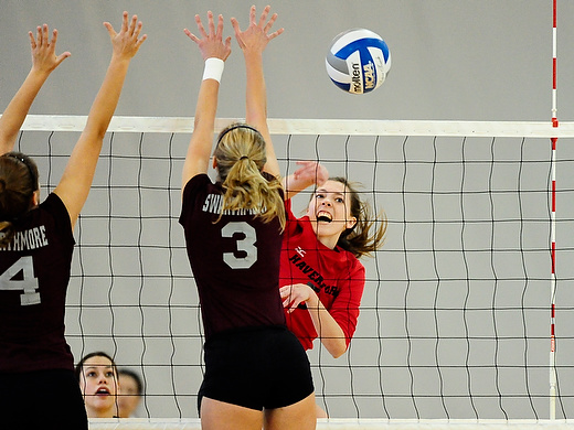 Volleyball takes down Swarthmore and Messiah