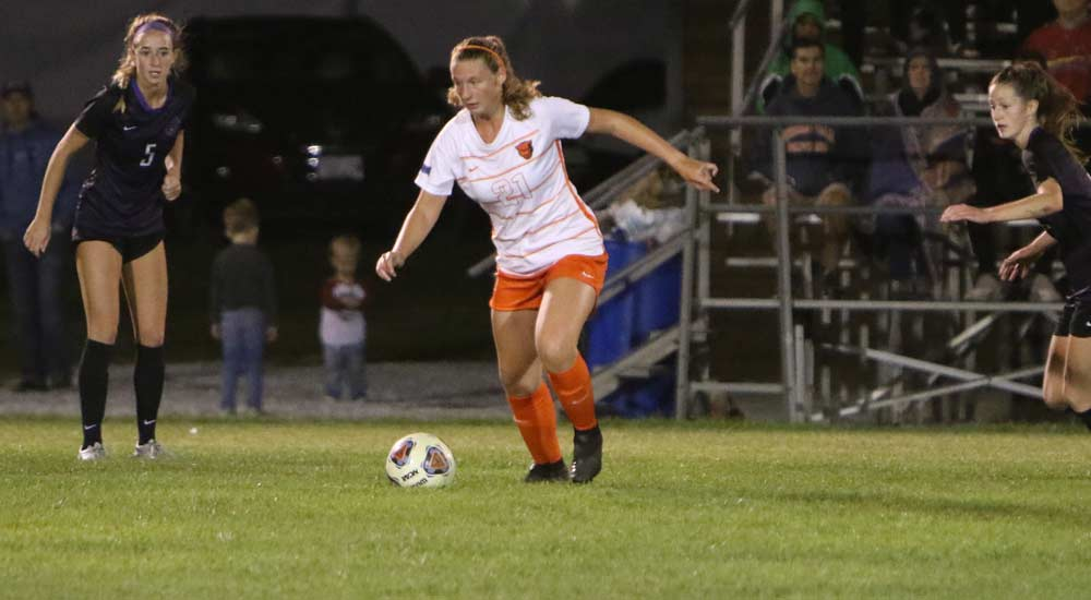 Women's soccer maintains first place SLIAC record with 4-1 win at Spalding