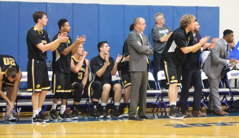 Men's Basketball Welcomes Silver Lake for Home Opener