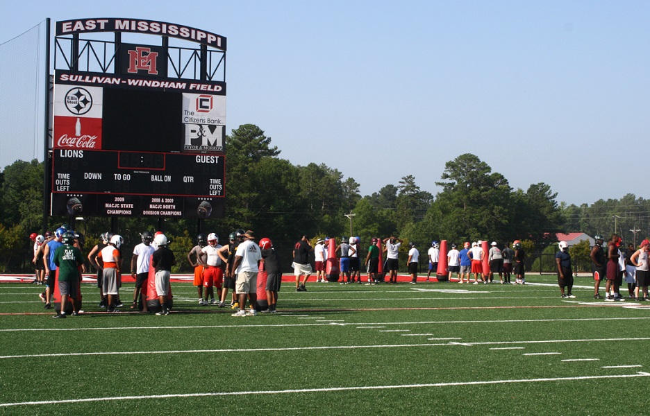 Five-time national champion EMCC Lions to conduct three June football camps