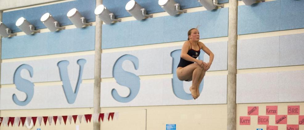 Divers Compete Against Cleveland State and Niagara