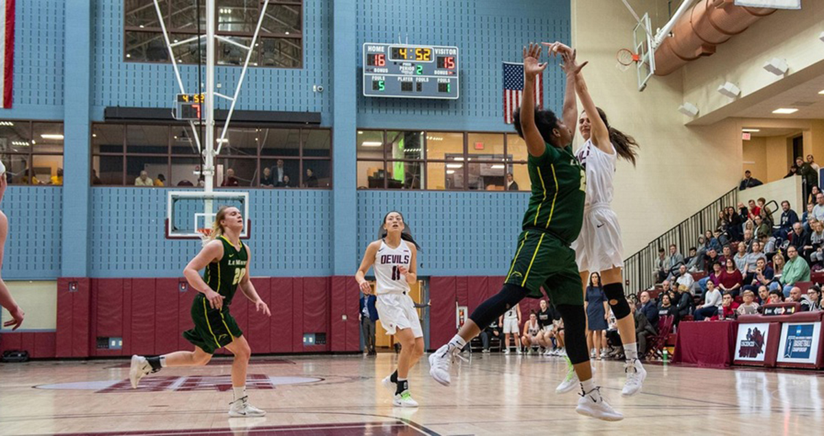 Le Moyne Rallies for Come-From-Behind Win over USciences in Semifinals of NCAA Women's Basketball East Region Tournament