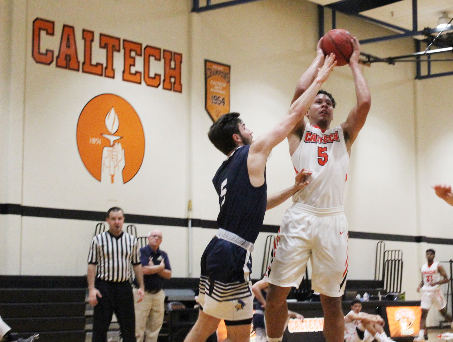 Beavers Beat Pacific Lutheran for Best Start Since 53-54