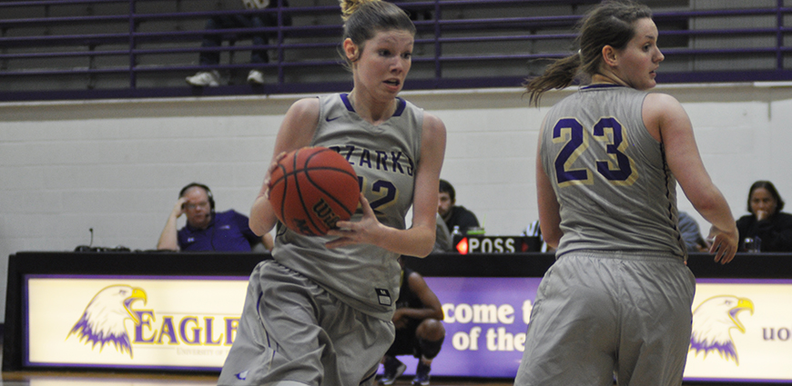 Hardin-Simmons Women's Basketball Team Storms Back From Halftime Deficit
