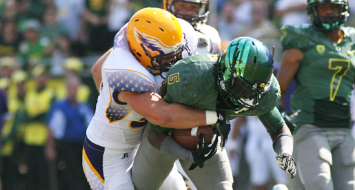 Golden Eagles lead early, eventually lose to No. 4 Oregon 63-14