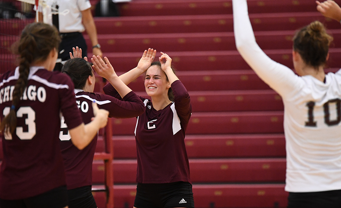 UChicago Volleyball Sweeps Through First Two Opponents on Day 1 of Gargoyle Classic