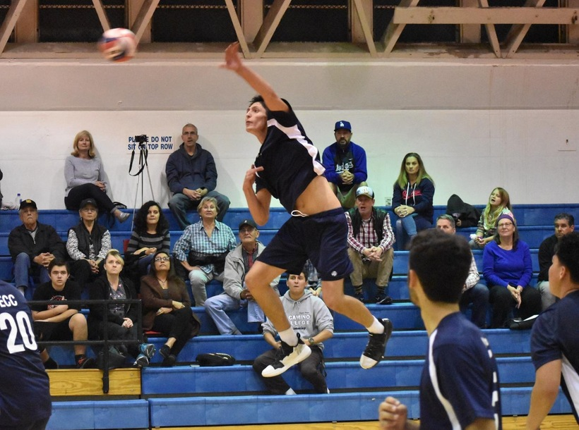 Men's Volleyball Opens Season with Impressive Sweep over St. Katherine's