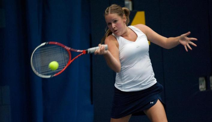 Women's Tennis Beats St. Scholastica 8-1