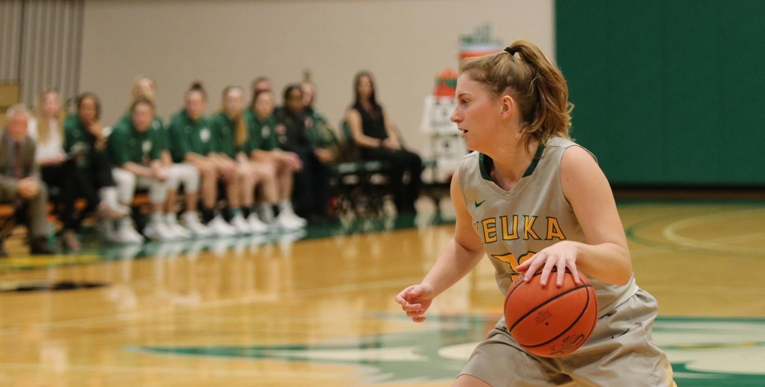 Anna Hoover (32) posted a career-high 10 points against Morrisville State -- Photo by Mary Mullen (12/4/18)